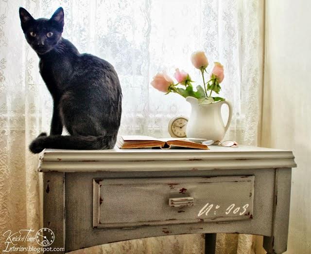 black cat photo via KnickofTimeInteriors.blogspot.com