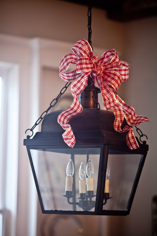 lantern-with-bow