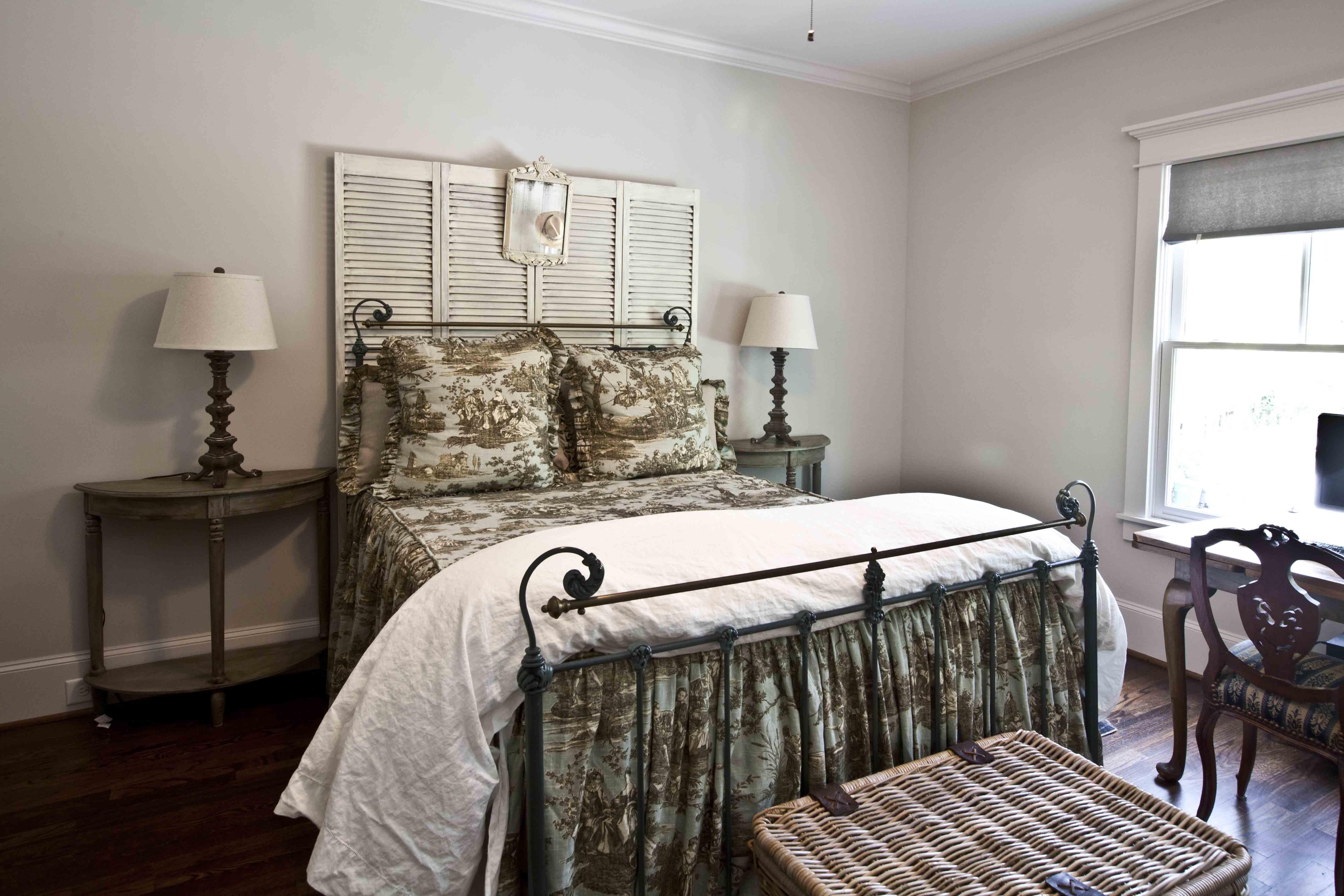 Toile Bedroom Cedar Hill Farmhouse