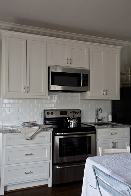 white guest kitchen