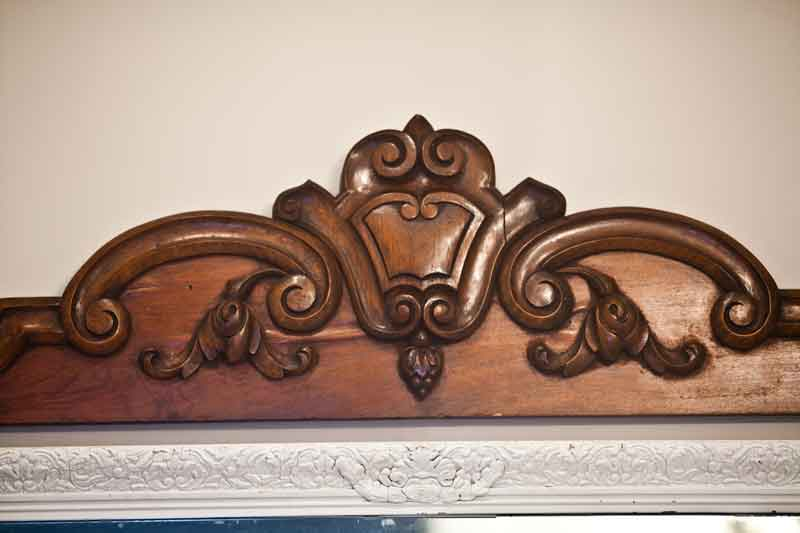 pediment-close-up