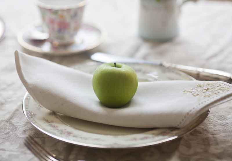 apple-on-a-plate
