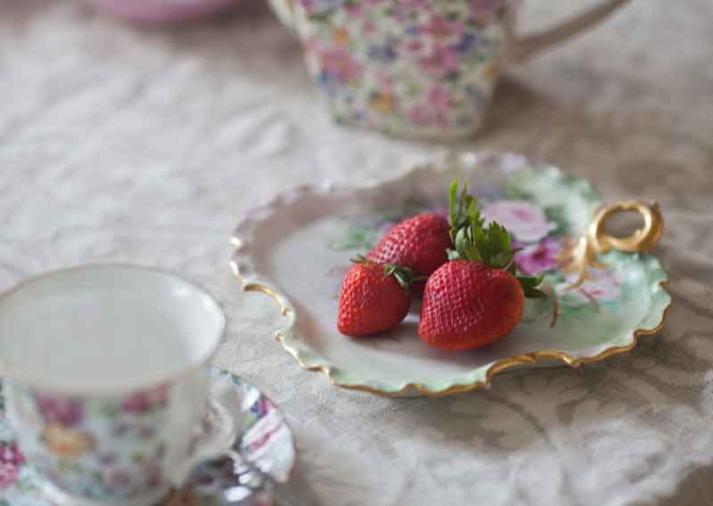 strawberries-on-hand-painted-plate