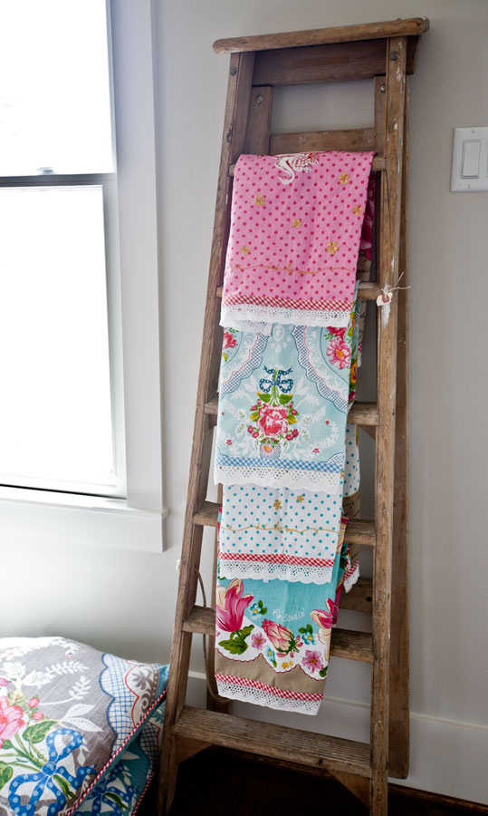 towels-on-ladder