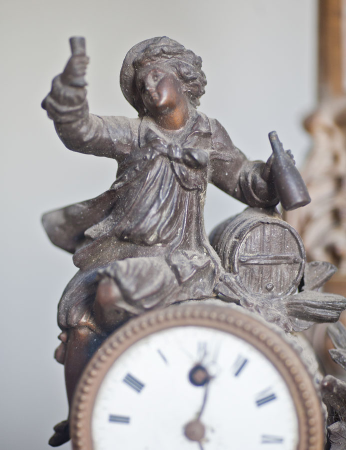 detail-on-french-clock