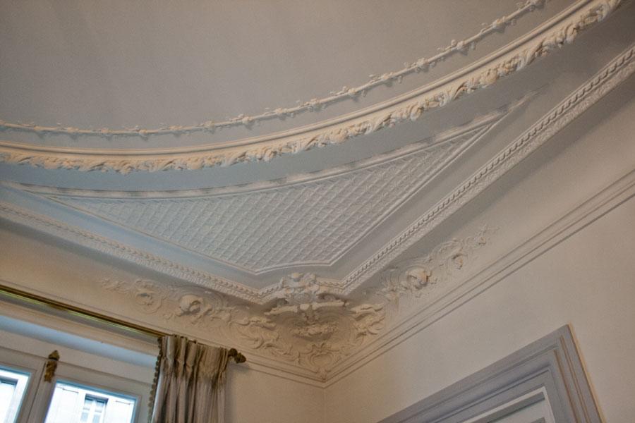Pariisan-apartment-ceiling