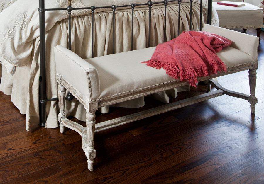 linen-french-bench
