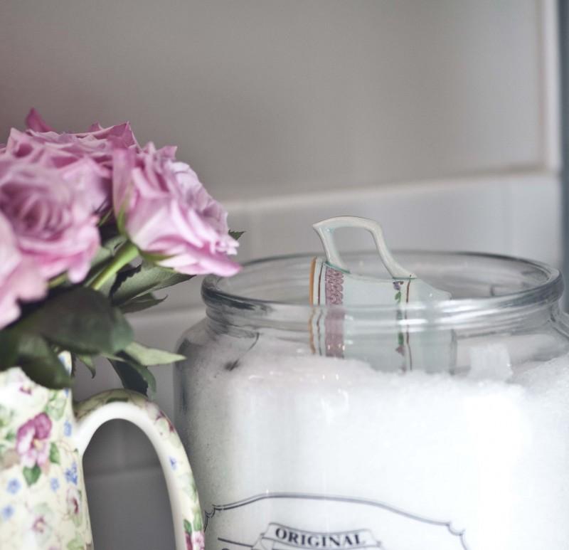 bath salt tea cup