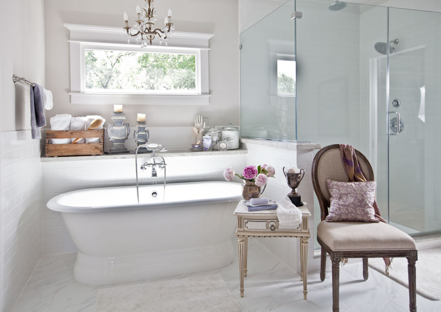 Perfect chair and pedestal tub