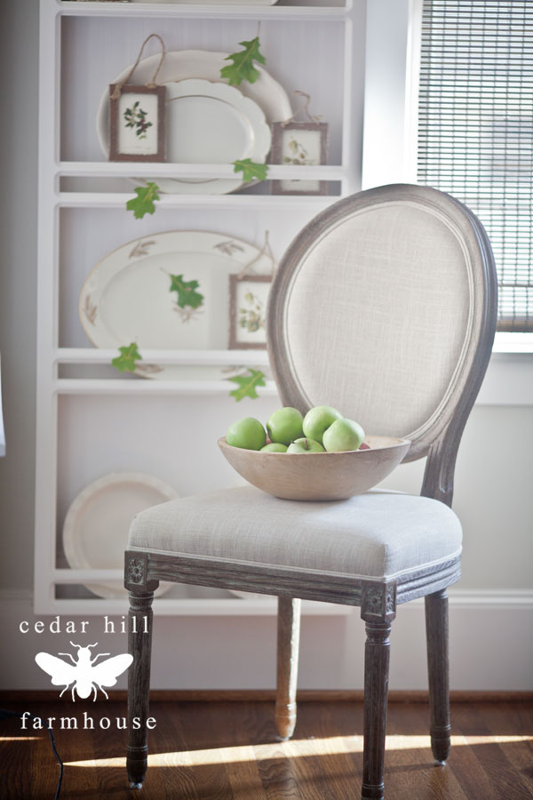 chair-with-apples