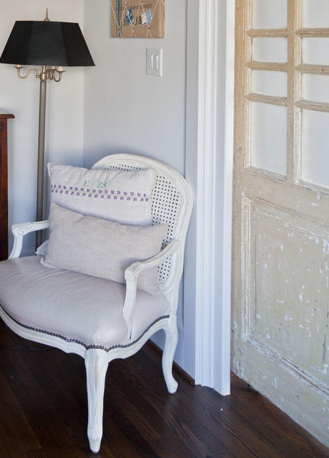 french-chair-grain-sack-pillow