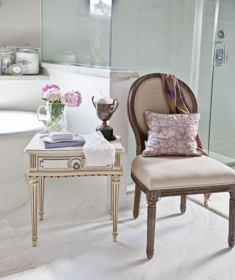 french-chair-in-bath