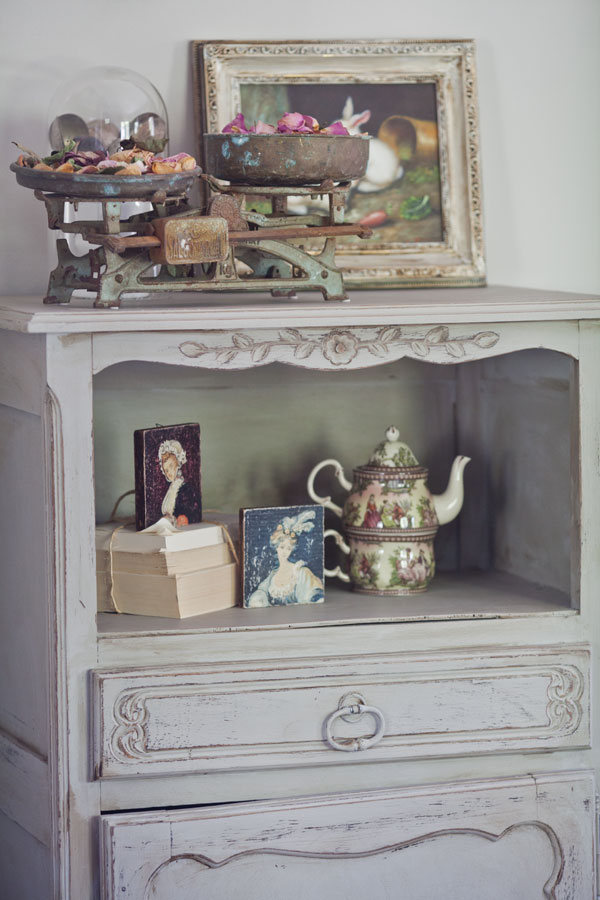 French-cupboard