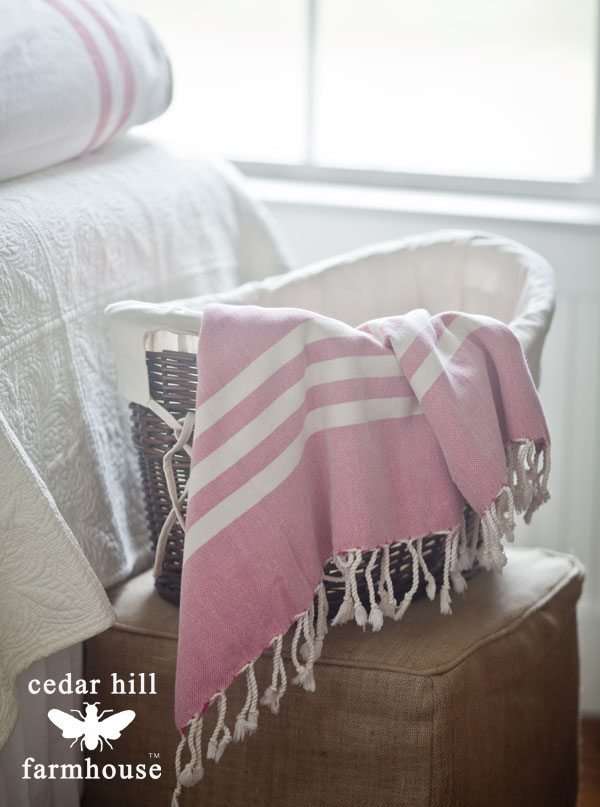 basket-with-pink-throw