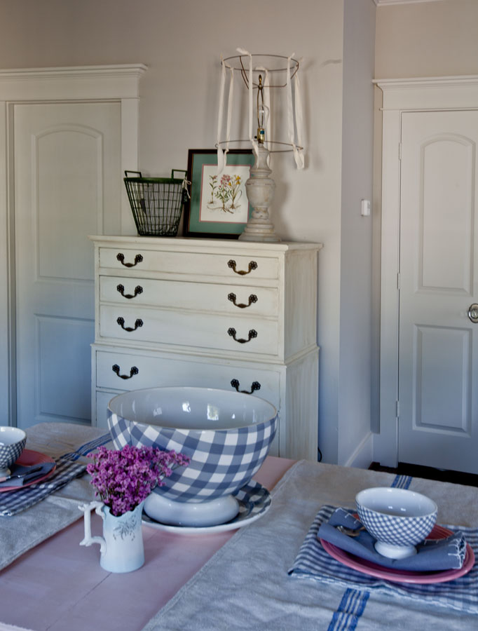chest-used-as-pantry