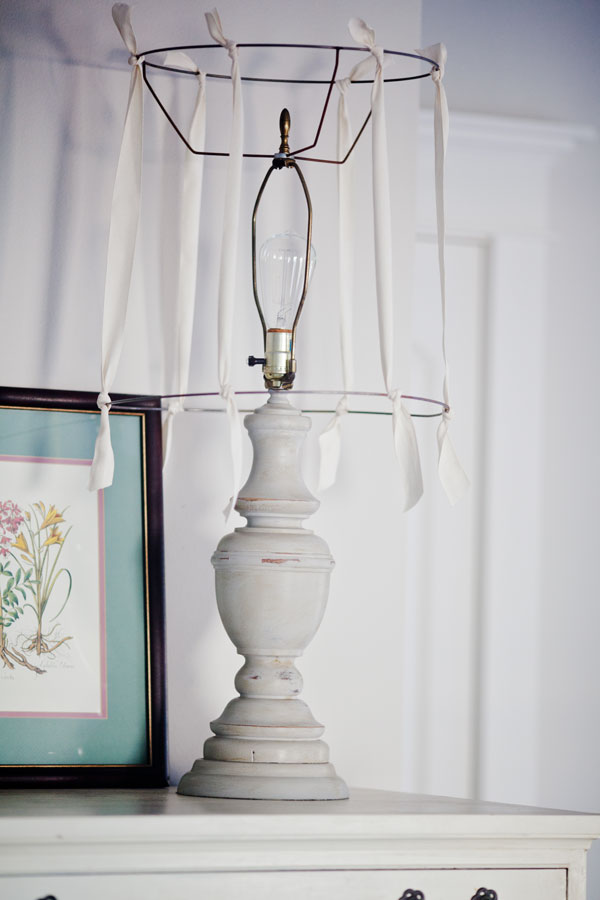 Making a ribbon lamp shade cedar hill farmhouse for Redoing lamp shades