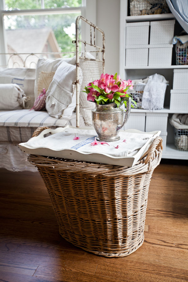 basket-turned-into-table