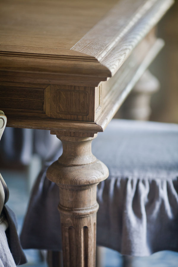 restoration-hardware-table