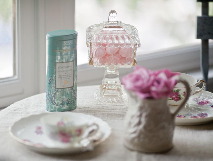 tea-in-the-bedroom