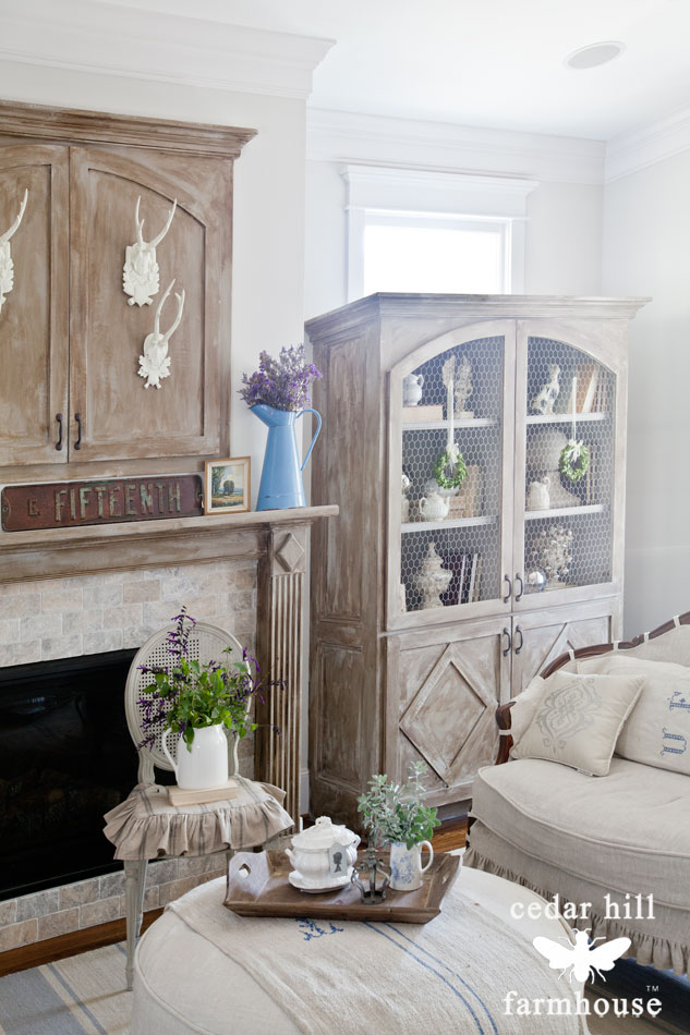 built-in-cabinet-chicken-wire