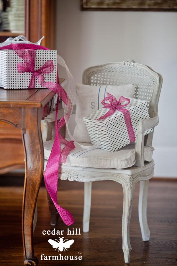 grain-sack-cushion-in-french-chair