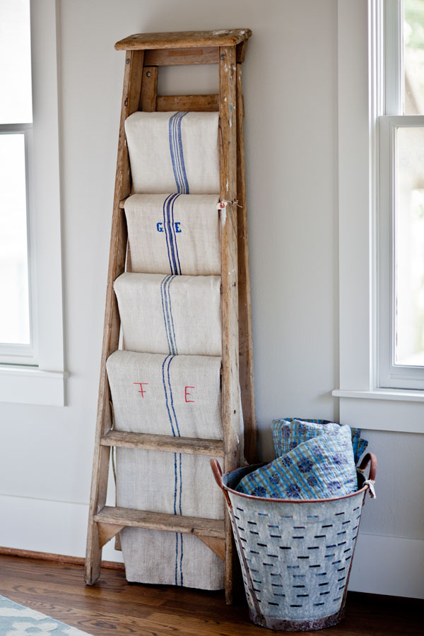 vintage-ladder-and-grain-sacks