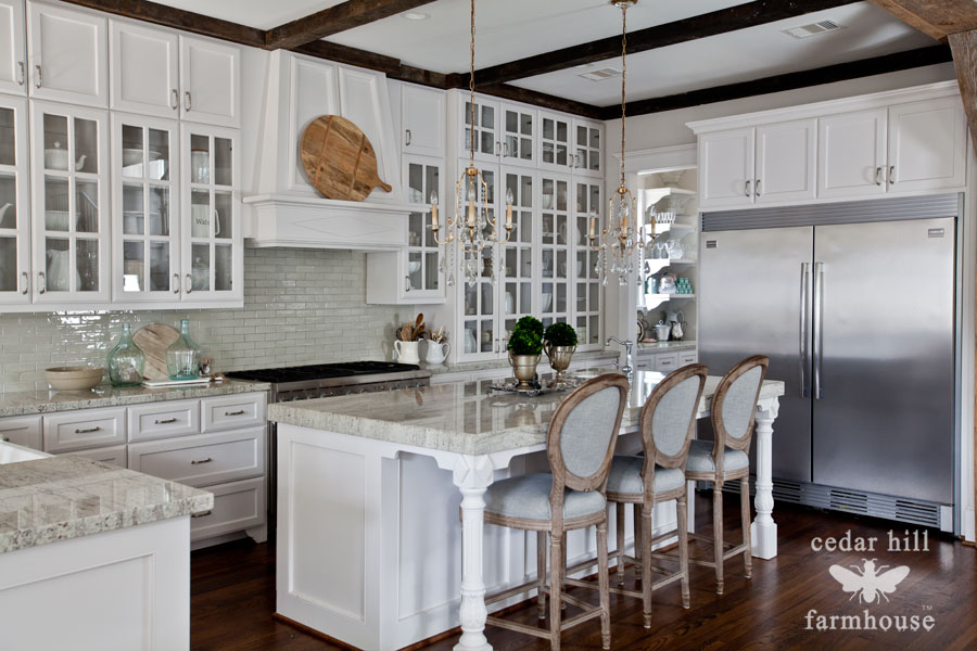 white-kitchen-with-island