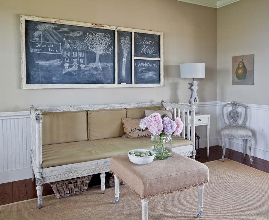 Swedish-bench-living-room