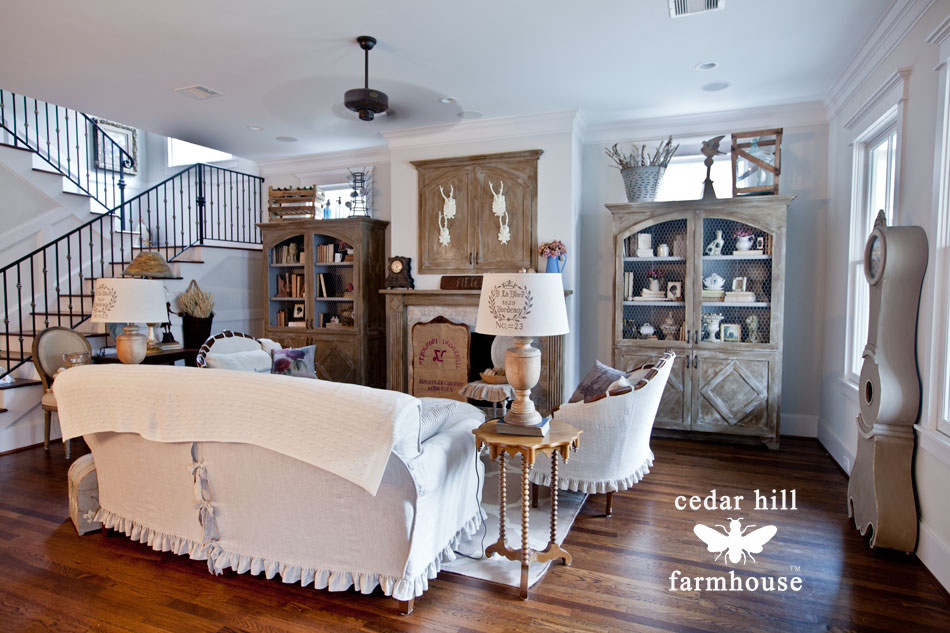 living-room-with-white-linen