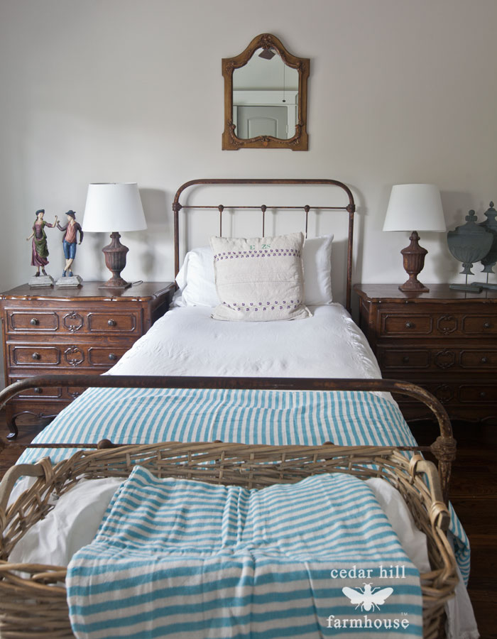twin-bed-iron-headboard