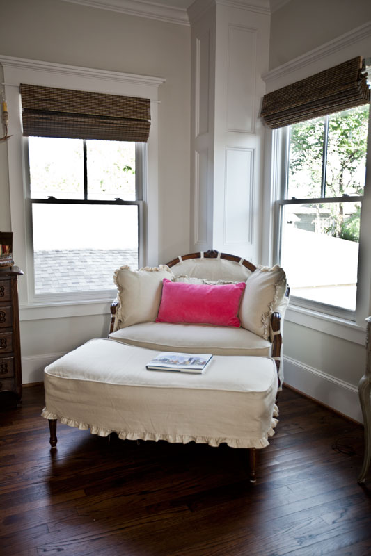 white-linen-french-settee