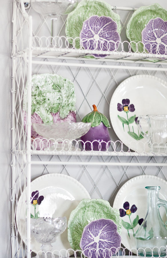 dishes-on-wire-shelf