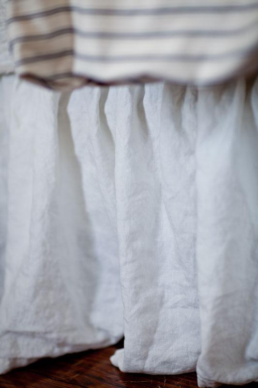 linen-bed-skirt