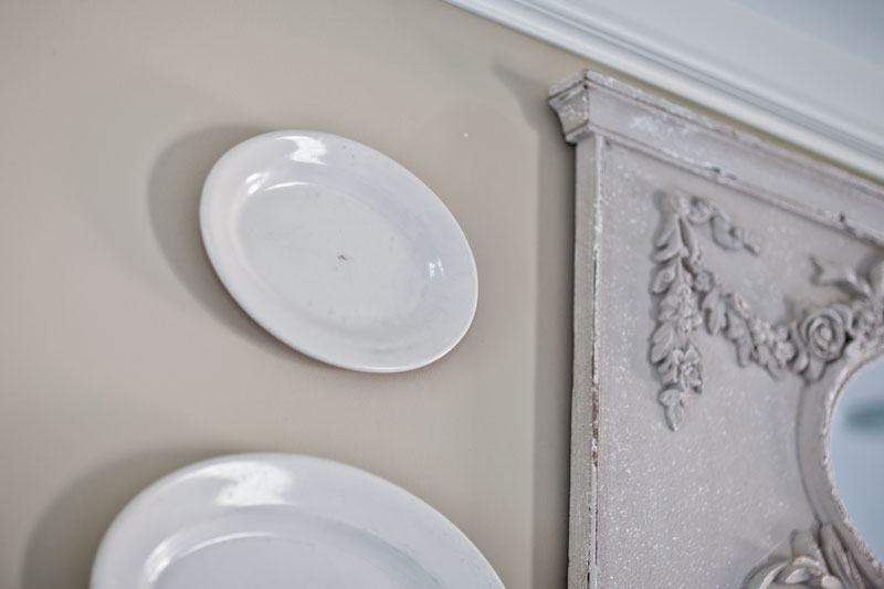mirror-and-plates