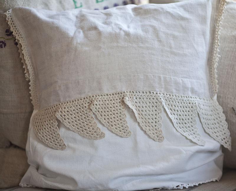 vintage-pillow-2
