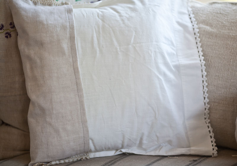 vintage-pillow-back