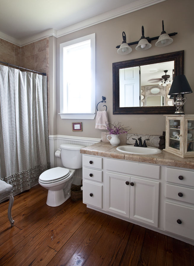 Farmhouse bathroom reveal cedar hill farmhouse for Bathroom decor farmhouse