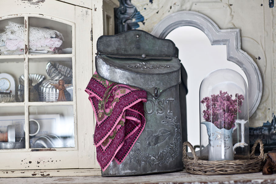 post-box-on-shelf-scarf