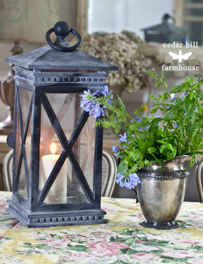 lantern-and-flowers