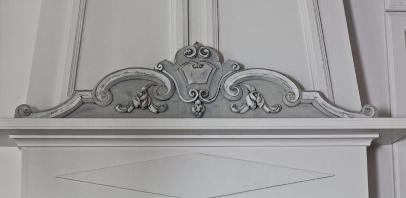 pediment-gray-and-white