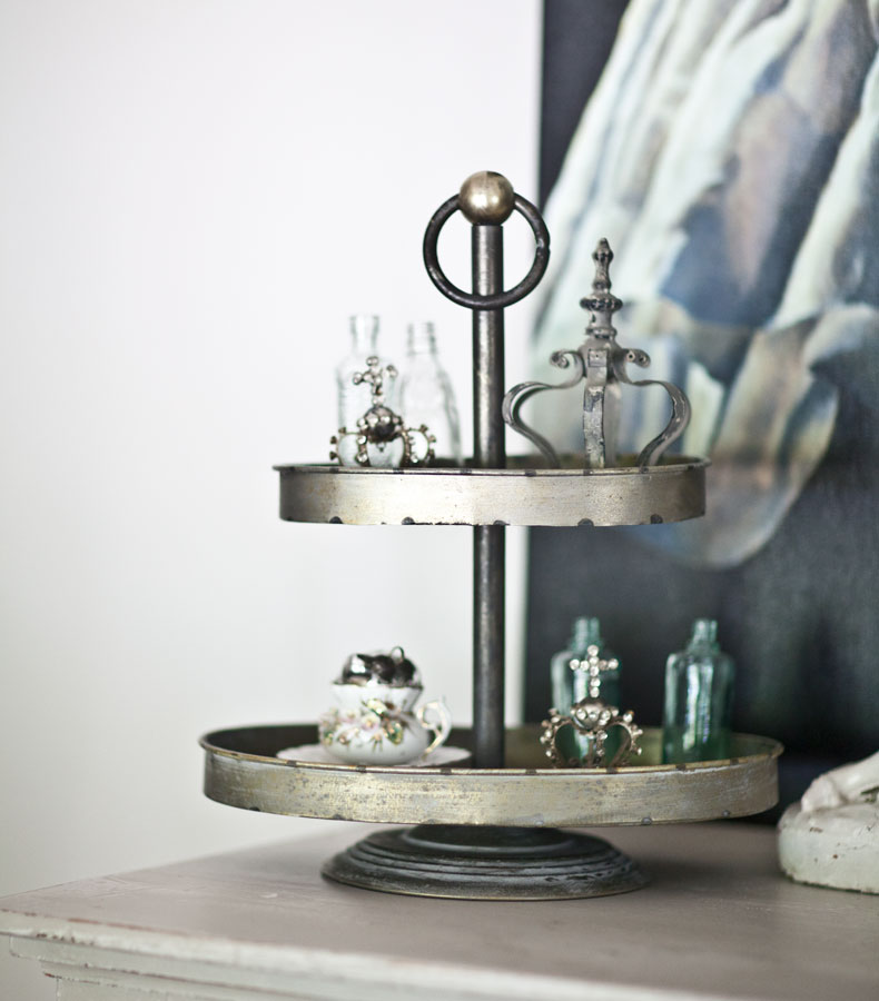 tiered-tray