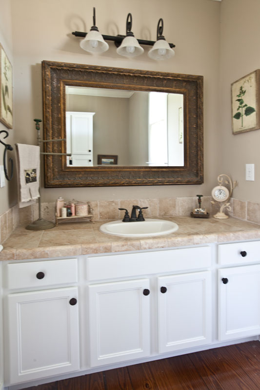 Nice white bathroom