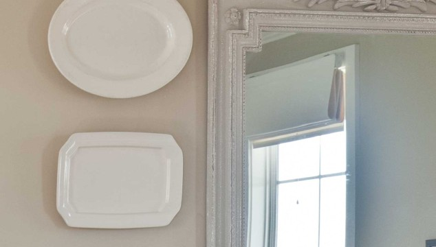 The Cheapest Way to Hang Plates