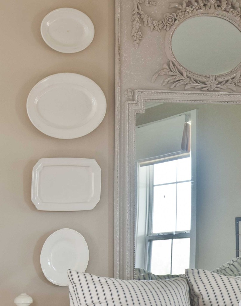 plates-on-wall