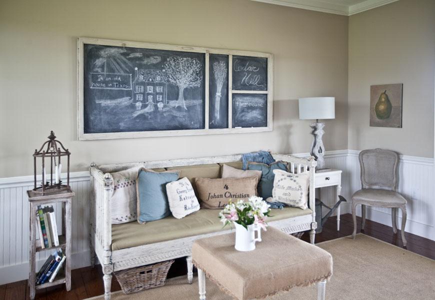 living-room-blue-pillows