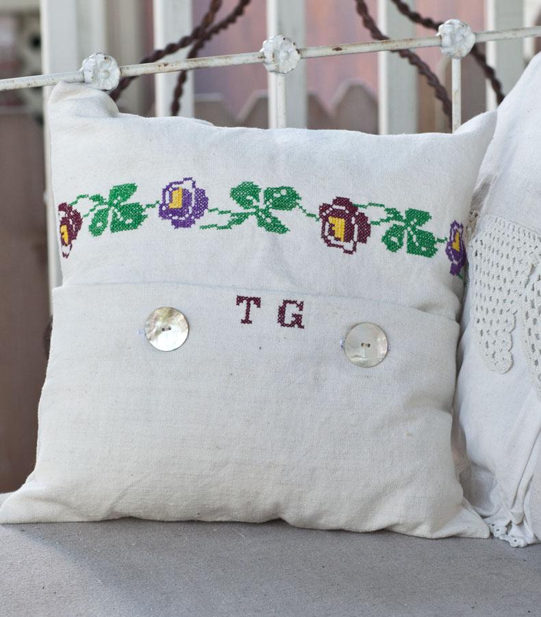 pillow-TG