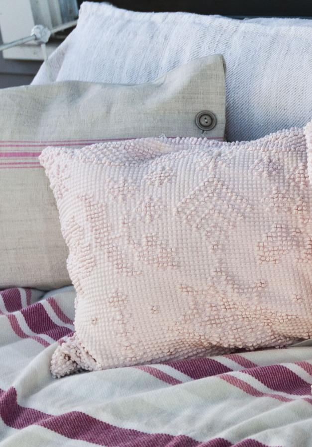 pillow-detail