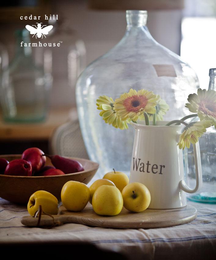 vintage-bottles-and-apples