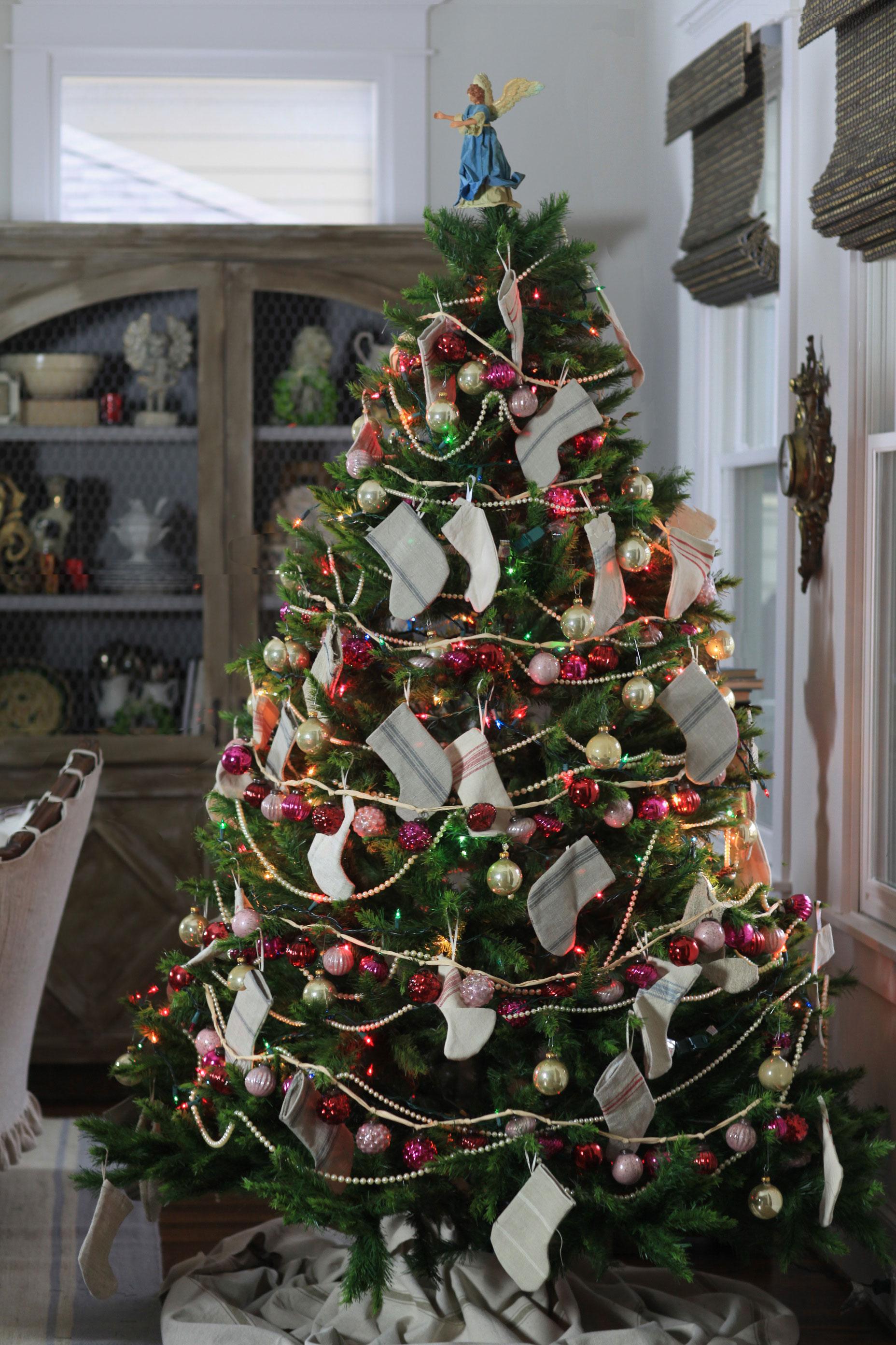 christmas-tree-pink