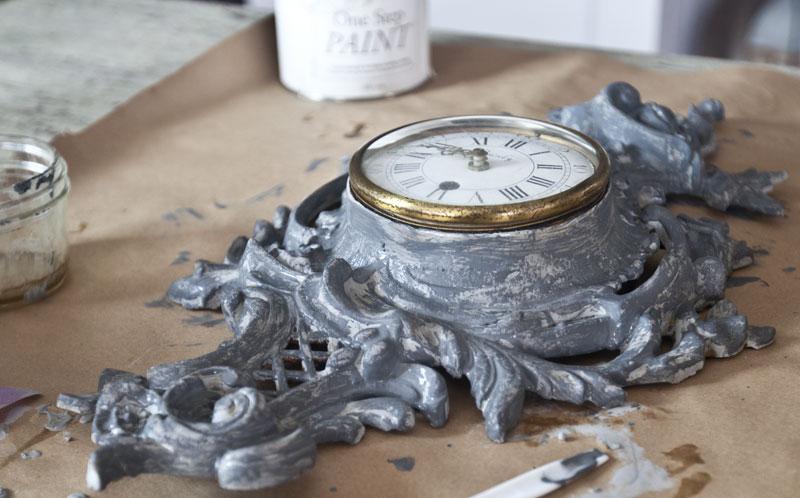 antiquing-glaze-on-brass